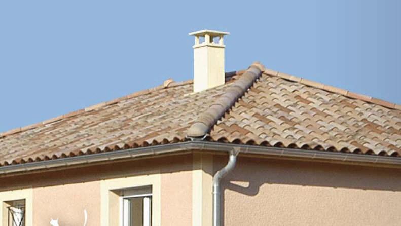 chimenea tejado madera