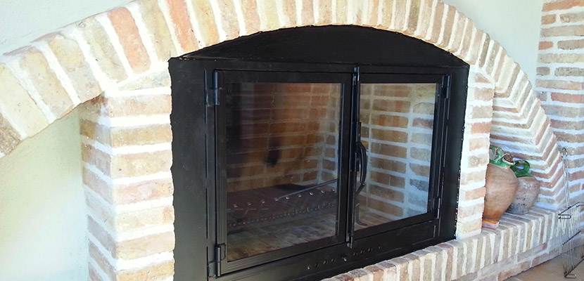 puerta para chimenea casera